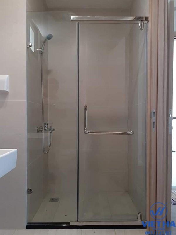 Cabin vách tắm kính giúp phòng tắm khô ráo hơn