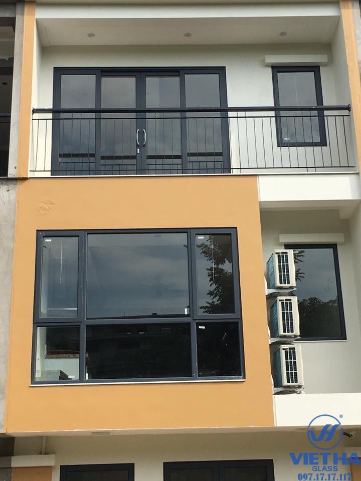 Mẫu cửa nhôm PMI được cung cấp bởi Việt Hà Glass